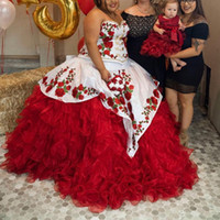 White and Red Plus Size Quinceanera Dresses Applique Puffy Skirt Sweet 15 Dress Long Ball Gown Prom Gowns