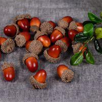 20pcs 3cm Falso Foam Pine Cones Mini Artificial espuma de frutas e vegetais Bagas Flores do casamento do Natal Decoração da árvore