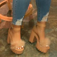 Moda 2020 Nueva piel de las mujeres de goma de alta plataforma del talón al aire libre hebilla del ocio zapatillas de playa sandalias de las señoras de banquetes sandalias S20326