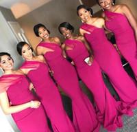 2020 Gilrs negros Sirena Fuschia Vestidos de dama de honor de un hombro Longitud de piso Vestidos de noche Maid of Honors Vestidos