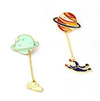 Cartoon Astronaut Segeln Kaninchen Brosche Saturn Planet Erde Pins Kette Knopf Jeansjacke Abzeichen Mode Schmuck T363