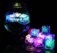 Bar Club Düğün Hediye Olay Champagne Kule Dekorasyon LED Buz küplerinin Çok renkli Yanıp sönen Dalgıç LED Işık Up Buz küplerinin Rocks