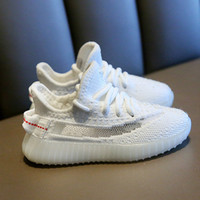 Scarpe per bambini Sneakers Toddler Kanye West Run Scarpe Baby Bambini Bambini Gioventù Ragazzi e ragazze Chaussures Versare enfants