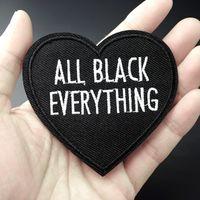 Czarny Serce Rozmiar: 7.5x7.9cm Patch do odzieży Żelazko na Haftowane Sew Aplikacja Cute Tkaniny Odznaka DIY Akcesoria do odzieży