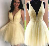 Abiti da casa giallo chiaro Vestiti V Collo con scollo a backless Short Seash Seash Crystal Mini cocktail Party Gowns Occasioni Speciale Dress per DOLCE 16