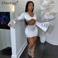 Chicology satén llamarada largo de la manga 2 de dos mujeres conjunto correspondiente pieza surgen top Mini Falda de talle alto 2019 ropa de fiesta de invierno otoño