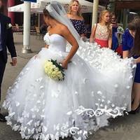 2019 Элегантная длинная длина Невесты Breids Ball Clange Свадебные Платья 3D Бабочка Принцесса Туль Кружева Милая Шея Свадебные платья Пользовательские Плюс Размер