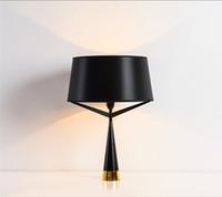 Современные оси S71 Настольная лампа Дизайнер Спальня Черный Помимо Настольная лампа Home Decor освещения Бесплатная доставка TA030