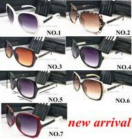 مصمم العلامة التجارية النساء نظارات uv400 للنساء خمر الزجاج الإناث الأصلي الشهيرة نظارات الشمس الأحمر القهوة 7 اللون 10 قطع سريع السفينة