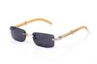 2020 occhiali da sole di lusso occhiali in corno di bufalo del progettista di marca per gli uomini donne senza montatura degli occhiali da sole di legno di bambù rettangolo con le scatole di casi lunette