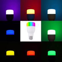 E27 E26 7W WiFi Smart Light Light Lampadina Intelligente Lampada a LED colorata RGB 85-265V APP Telecomando I lavori con Alexa Google per le luci domestiche intelligenti