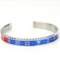 a0fdcb3ac2a1 Pulseras de joyería de diseñador de acero de titanio pulseras abiertas dial  digital brazalete moda caliente