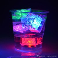Flash LED Luz del cubo de hielo de varios colores de agua-Activado flash del cubo de hielo flash automáticamente la boda del partido de Navidad Barras LED cubo de hielo BH0152