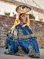 Robes Quinceanera 2021 Mexican Luxe A Line Weddiing Masquerade Robe Boule Royal Blue Sweety 16 Filles Robe de soirée
