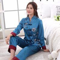 2ST chinesische Art Frauen Stickerei-Blumen-Pyjamas Set heiße Verkaufs-Satin-Pyjamas Anzug Neuheit-Knopf Nachtwäsche M L XL XXL 3XL