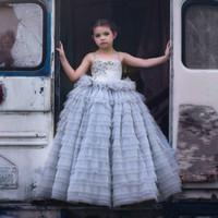 Katmanlı Tül Etek Kat Uzunluk Custom Made Kid Biçimsel Gorgeous Tozlu Mavi Kız Yarışması Elbise Çiçek Kız Elbise Giyer