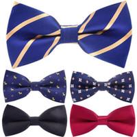 Cravate Bow Hommes Bowknot Adulte Bow Cravates 12 * 6 cm Dot à rayures Réglable Court De Cravie Courroie Butterfly Shirt Accessoires 5pcs / Lot