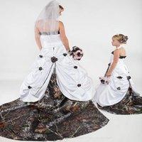 Vintage Camo Vestidos de novia Una línea Camuflaje País Vestido de novia Sexy Falta sin tirantes Tren Floral Forset Boho Boda Boda Vestido nupcial 2020