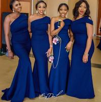 로얄 블루 2020 저렴한 긴 인어 신부 들러리 드레스 어깨 하나 새틴 정장 웨딩 게스트 드레스 로브 디부 초대 드 MARIAGE vestidos