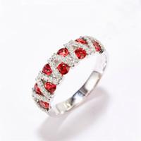 Regalo di festa rosso granato gemme Silver Charm per le donne festa di nozze Anelli amico di famiglia Jewelry Russia India monili degli anelli