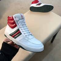 2019 Ace Signature Sneaker Fashion Luxury Skateboard Bee Designer Shoes Hombres Speed ​​Trainer High Top de cuero Casual Ace Sneakers con caja