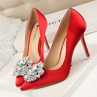 Donne nuziali d'argento Grigio Nero scarpe da sposa in raso di seta Faux strass di cristallo Shallow Donna Pompe Stiletto High Heel