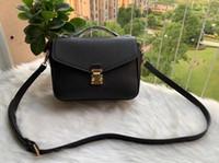 2020 Frete Grátis Alta Qualidade Genuíno Preto Embossed Couro Mulheres Bolsa de Ombro Sacos Crossbody Bags Messenger Bag