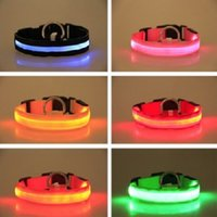 Forniture per animali domestici Nylon LED Pet Dog Colletto Night Safety Sicurezza lampeggiante Glow nel Dark Dog Leash Dogs Collari fluorescenti luminosi Luminoso Consegna rapida
