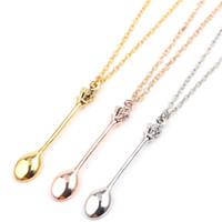 Fascino Mini Crown Spoon Shape Pendant Necklace Neckchain with For Women Jewelry Gift Maglione creativo Accessori per gioielli