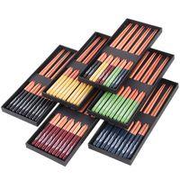 Japanska trä ätpinnar En låda med 5 par spetsiga ätpinnar Små presentförpackningar som vanligen används i bruk Wooder Sets Middagsverktyg LSK150