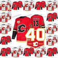 Calgary Flames 40. Jahrestag 2019-20 23 Sean Monahan Johnny Gaudreau 93 Sam Bennett Noah Hanifin David Rittich Matthew Tkachuk Trikot