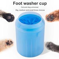 Pet suave silicone Dog Combs Paw Washer copo Gato Pé Limpo Cup Cães Gatos Limpeza com Ferramenta de plástico macio Lavar escova Pet Acessórios para cão