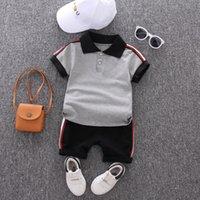 Baby-Sommer-Klage-Jungen-adrette Art Zweiteilige Sets Kind-beiläufige Outdoor Kinder Solid Color T-Shirt + Shorts 2020 neue Art-Kind-Tuch
