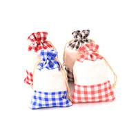 50pcs Bolsa de algodón a cuadros de tela MultiColor bolsas a granel bolsa de regalo de la joyería Accesorios Cosméticos bolsa de regalo para la fiesta de boda Inicio Storage10 * 14cm