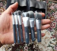 Marka Se 6 adet Mini Kömür DELUXE ANTIBACTERIAL Fırça Seti Yüz Göz Dudak Pudra Fondöten Için 7 adet Fırçalar Göz Farı Makyaj kozmetik Çantası