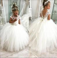 2019 Prenses Beyaz Çiçek Batı Avrupa Düğün Için Elbiseler Sırf Cap Cap Aplike Yürüyor Çocuk Doğum Günü Communion Abiye