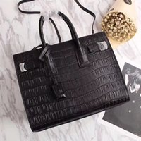 Echtes Leder Handtaschen Frauen Berühmte Designer Marke Umhängetaschen  Krokoprägung Top Qualität Umhängetasche Mode Damen Umhängetasche 94d220163df7b