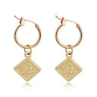 1pair Vintage Queen Head Pattern Pendant Hoop Earrings Gold Color Square Geometric Endless Circle Earrings Jewelry