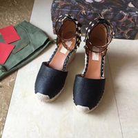 الأوروبية الكبيرة السلع التي تحمل علامات الفاخرة والأحذية المرأة نمط جديد، والأحذية كعب الجميلة، والصنادل، والأحذية الرسمية، نسج جلد طبيعي وحيد، برشام 8CM كعب