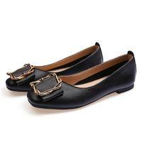 2020 nouvelles dames taille lager Chaussures plates 33-43 femmes fille nue en cuir gris noir Nouveau arrivel mariage Groupe de travail robe chaussures soixante-dix