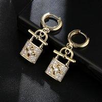 Clé de verrouillage à chaud creux quatre feuilles Stud en cuivre en laiton Baroque Royal femmes bijoux de mariage