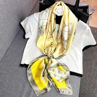 sciarpa 2020 nuove donne Deluxe progettista clichè graffiti piccolo chiaro sciarpa calda lunga specifiche sciarpa 90x90cm di alta qualità 104856