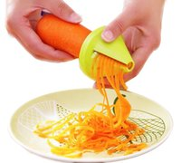 Multifonctionnelle de 360 degrés Rotary Slicer Eplucheur Cutter cuisine Gadget pommes de terre Peeler Melon Planer Grater outil de cuisine