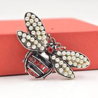 Cristallo libero Pearl Bee Spille per le donne unisex Insect Pin Spilla Carino Fashion Dress piccoli distintivi cappotto Gioielleria
