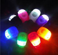 دراجات الدراجات مصباح سيليكون الدراجة رئيس الجبهة الخلفية عجلة الصمام فلاش دراجة ضوء مصباح 8 ألوان تشمل البطارية