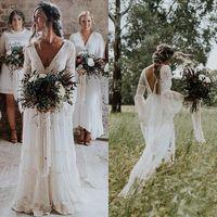 2020 Elfenbein Bohemian Brautkleider V-Ausschnitt Langarm-Spitze-Schleife-Zug-Strand Boho Garden Country Brautkleider robe de mariée Plus Size