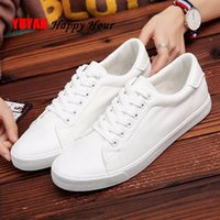 2019 Chaussures Hommes Printemps Baskets mode Homme Casual cuir souple Chaussures Marque Mode Homme Chaussures Blanc KA1188 CJ191225