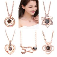 Luxury Rose Gold Silver 100 lingue Ti amo Projection Pendant Romantic Memory Wedding Necklace Per le donne Gioielli di fidanzamento di moda