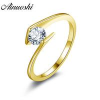 Ainuoshi 10k Solide Or Jaune Femmes Bague De Mariage Solitaire Rond Cut Sona Simulé Diamant Bijoux Twisted Bagues De Fiançailles Y19052301