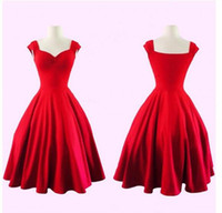 2020 Novo Vintage Preto Vermelho Curto Homecoming Vestidos Queen Anne Sweetheart Uma Linha Evening Party Vestidos para meninas 1373